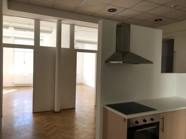 Großzügige charmante Altbau Wohnung - 3er WG